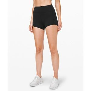 "Lululemon In Movement Short Everlux 2.5"" - size 4"